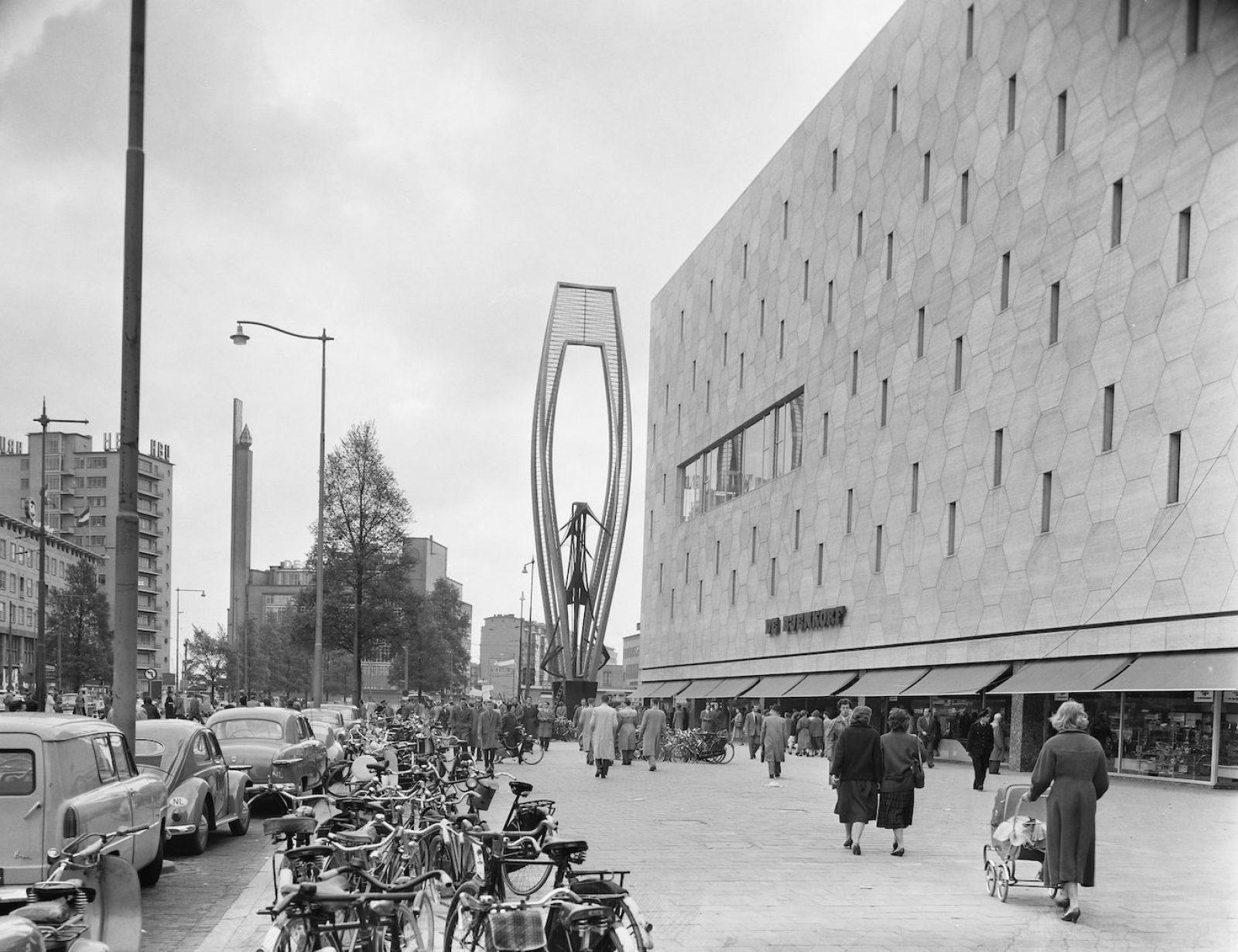 1957 Bijenkorf HB NL Ha NA 2 24 01 04 0 908 6288