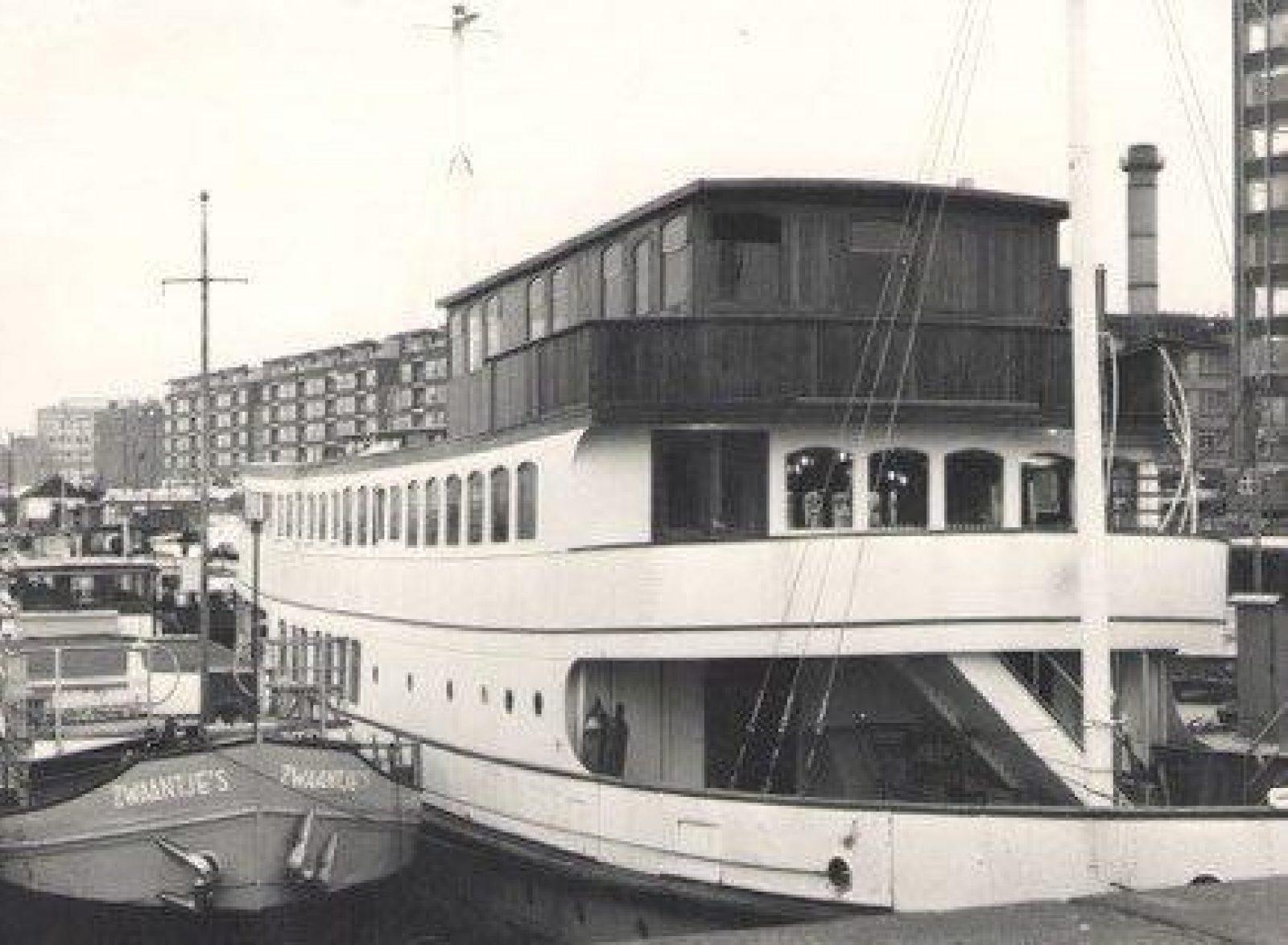 1967 amv De Witte Zwaan aan Terwenakker