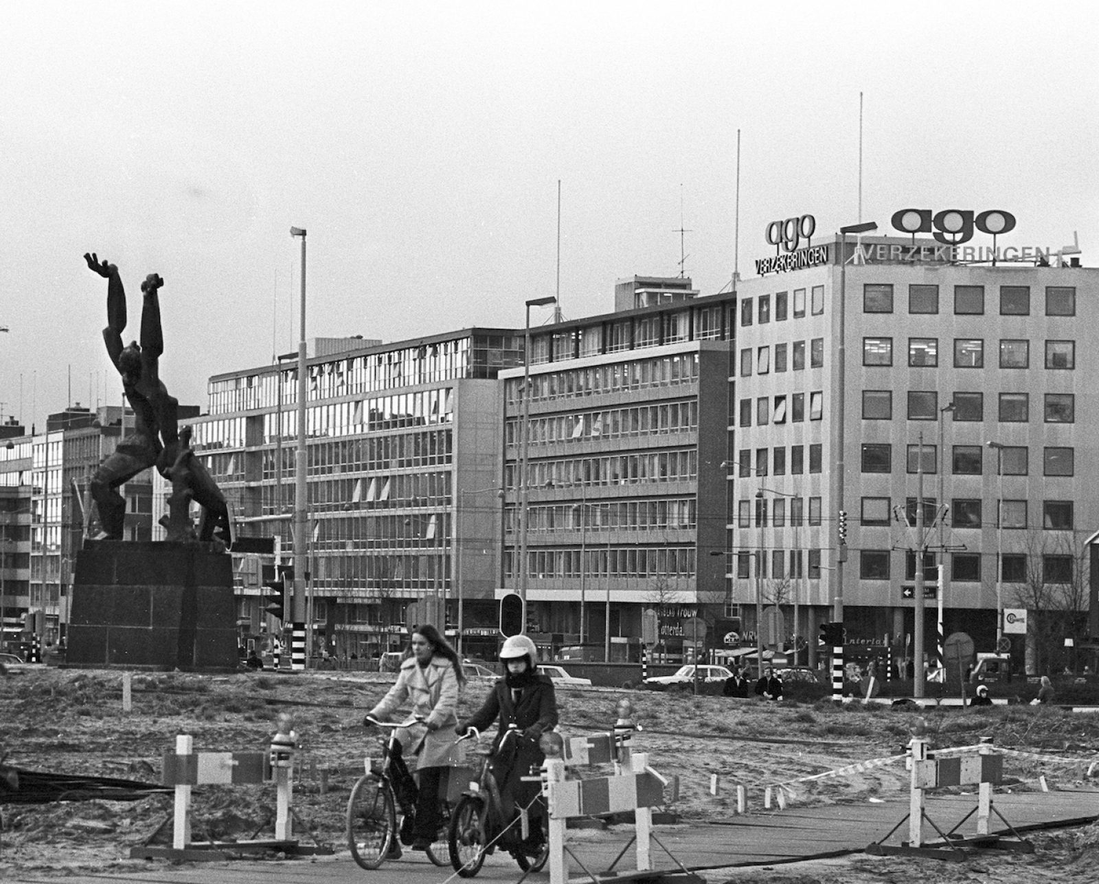 1976 1201 Zadkine en Westblaak Ld H NL Rt SA 4100 2005 6982 01crop