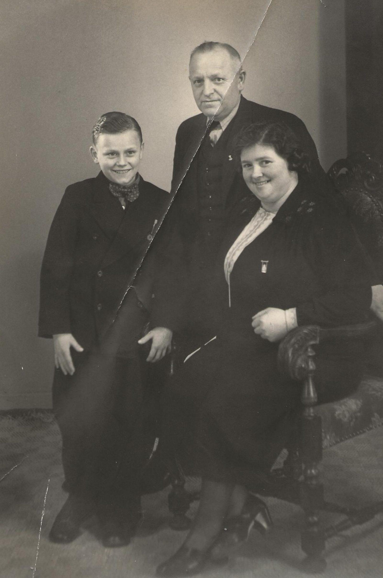 Helga Andersen Cor met adoptieouders