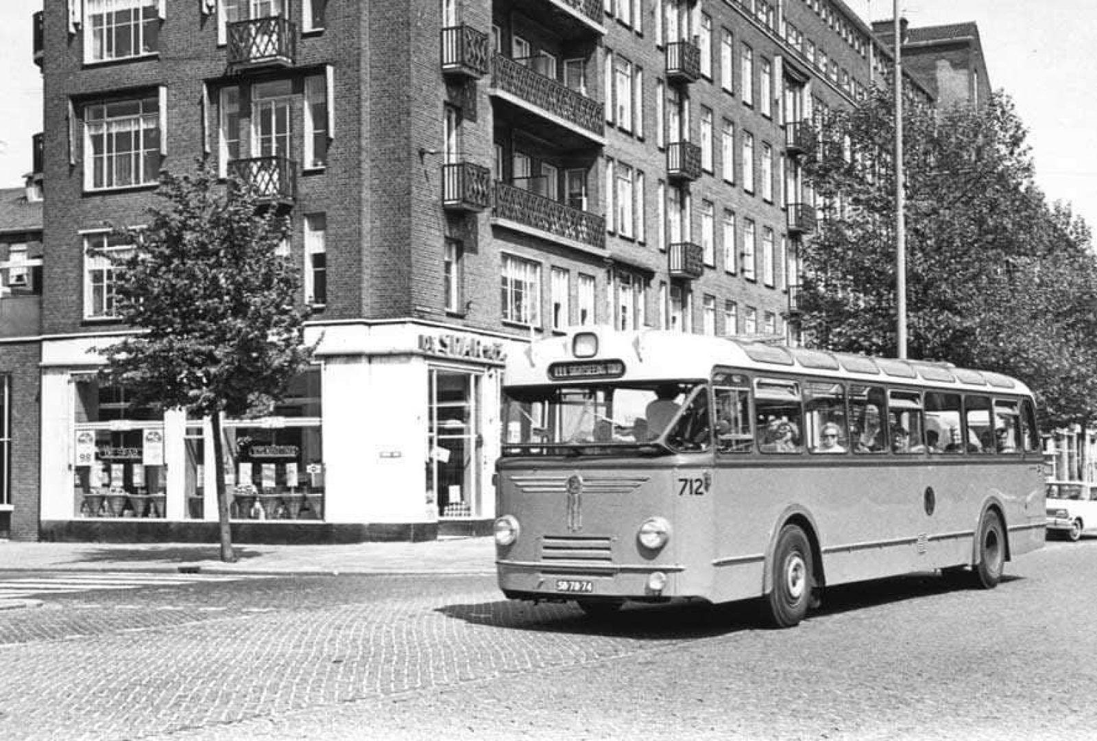 Onbekend Wederopbouwrit Bus
