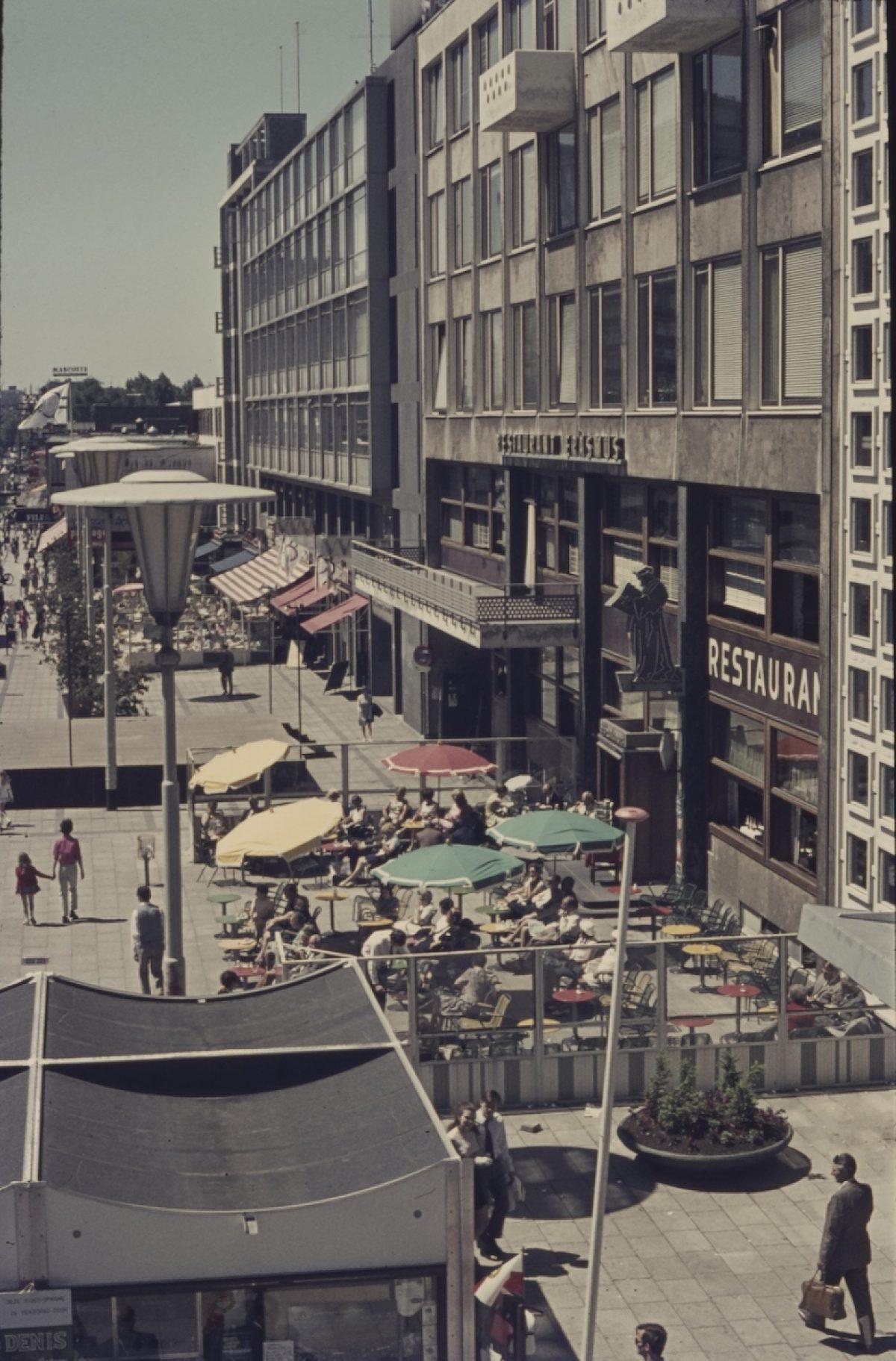03 stadhuisplein 1970 NL Rt SA 4101 413 Ad R