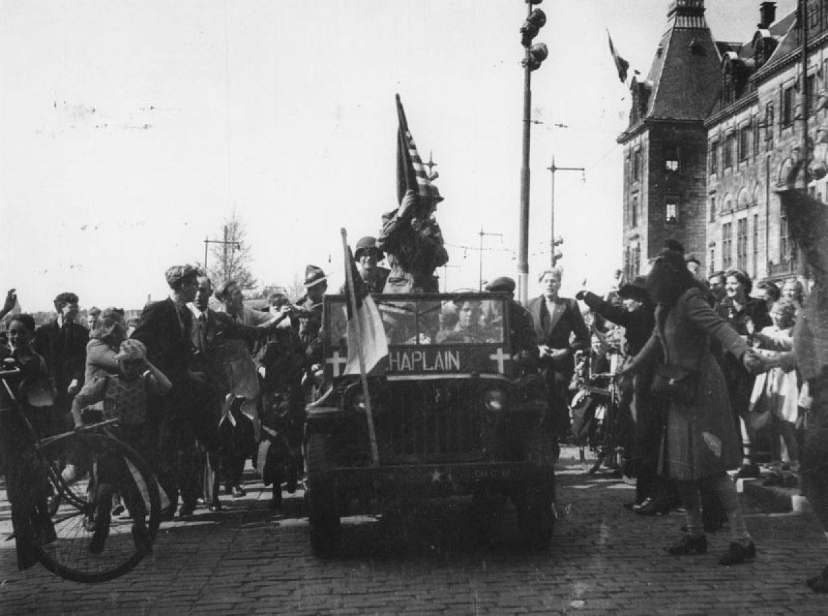 1945 bevrijding Bv R NL Rt SA 4140 1977 3587 01