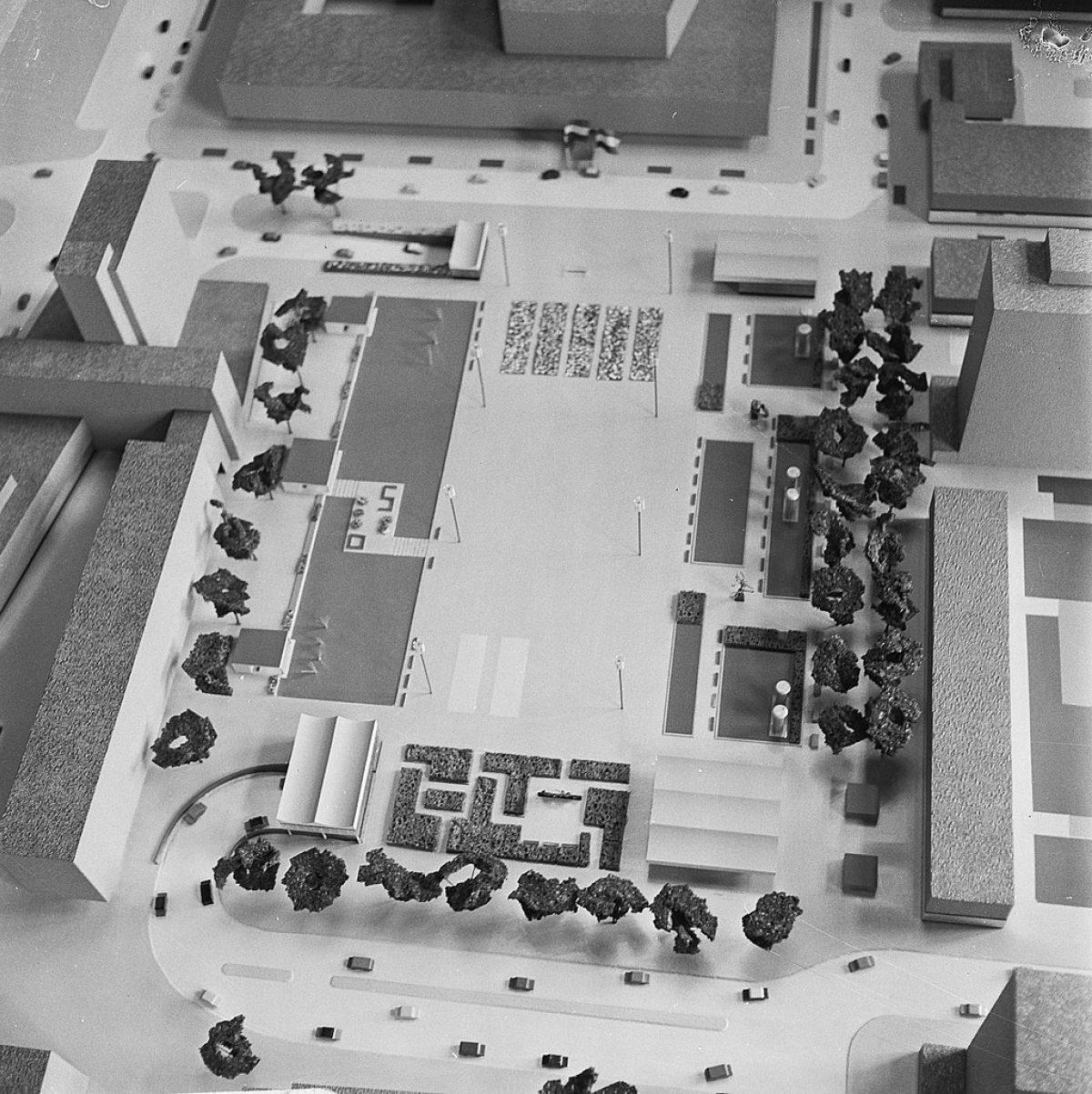 1966 0531 Jan Voets Anefo HNA Schouwburgplein maquette 919 2166