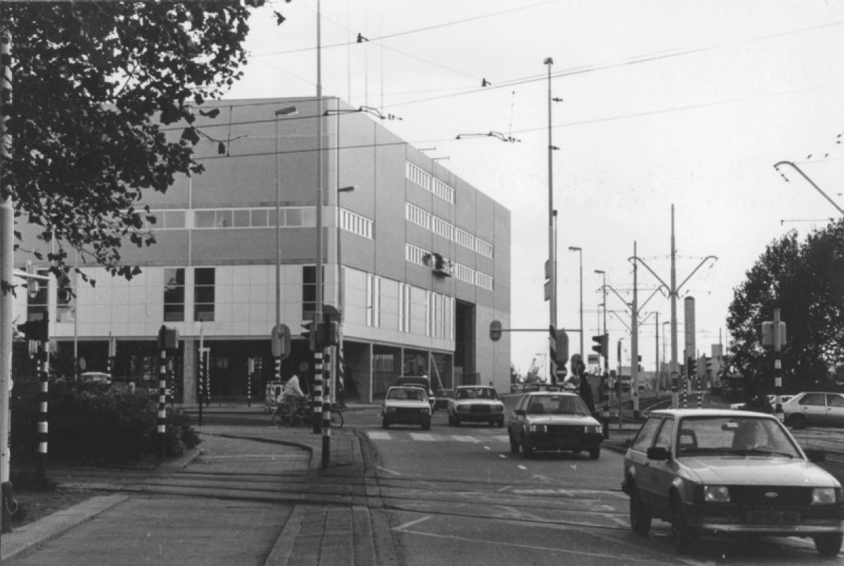 1985 Ld H Churchillplein NL Rt SA 4100 2005 7682 01