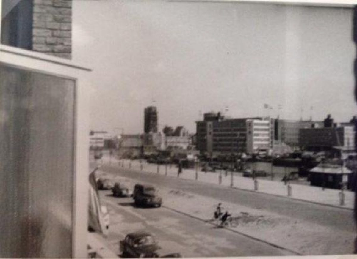 Barmentlo_Dijk-en-ventweg.-1963JPG