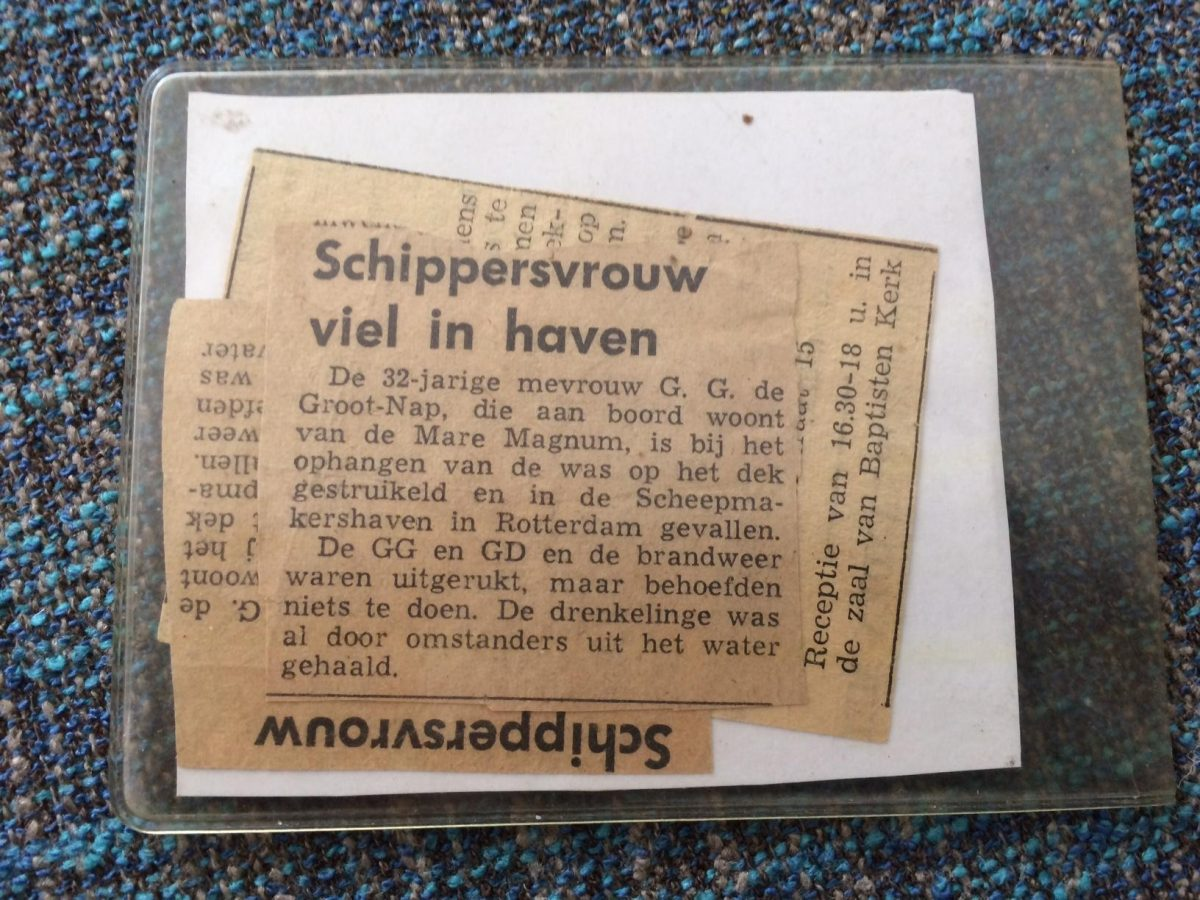 De Groot Krantenartikel over Geke in water