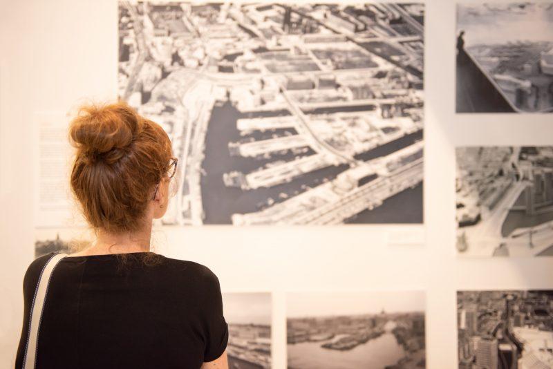 Expositie Waterstad, Wederopbouw en Wonen geopend