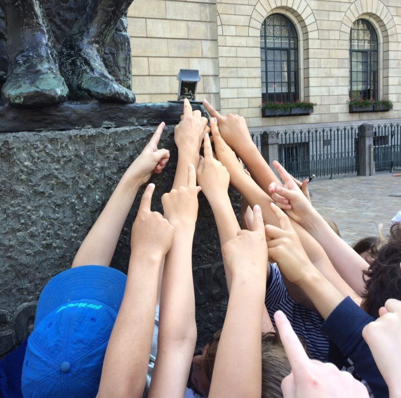 Monument Aan den Slag weer in de stad