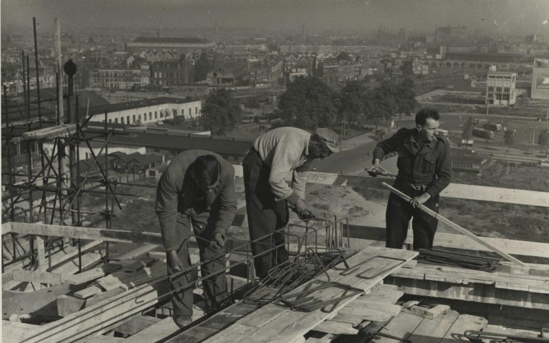 Bijzonder fotoalbum van bouw Groothandelsgebouw