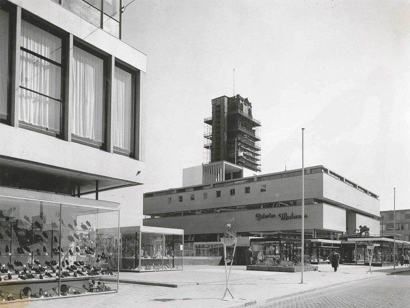 Galeries Modernes opens