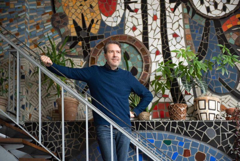 Zoho Studio vermomd als Berlijns café